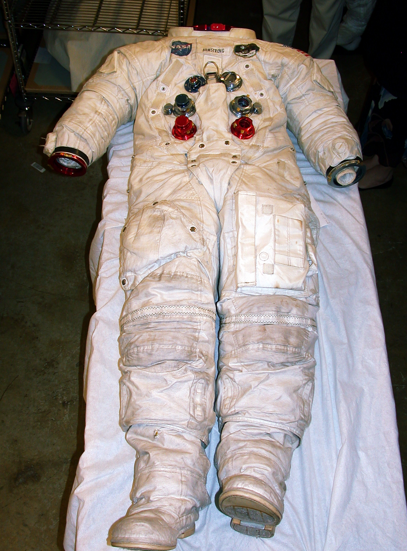 neil armstrong in astronaut uniform - photo #37