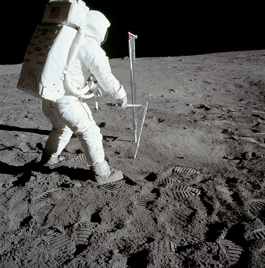 promo code 4ddd7 dd944 The boots Neil Armstrong wore on the moon do match the ...