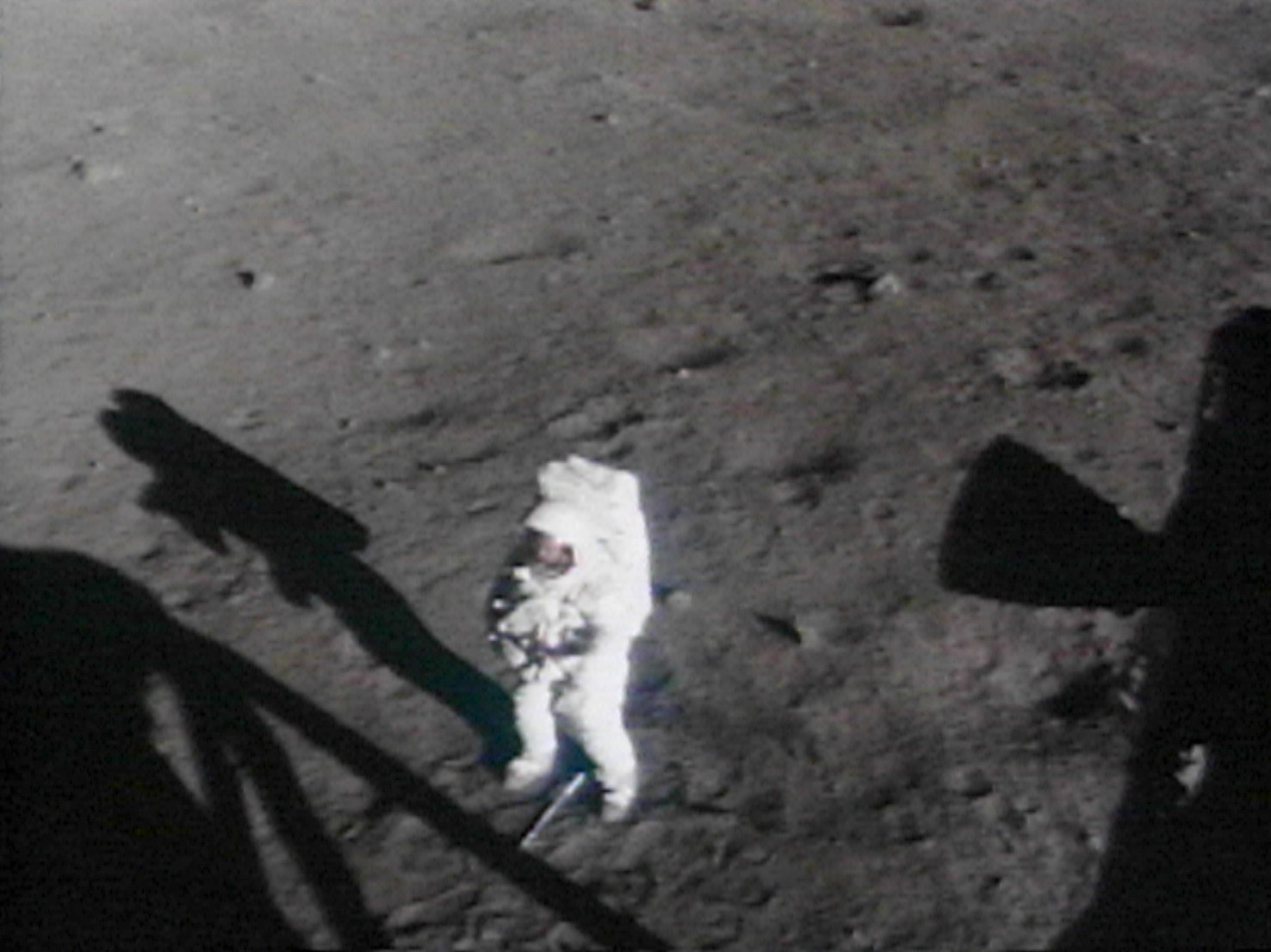 was neil armstrong left handed - photo #1