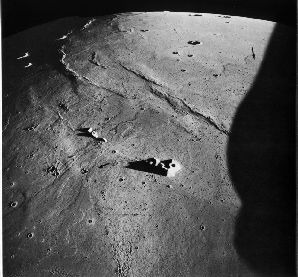 astronauts find structures on moon - photo #15